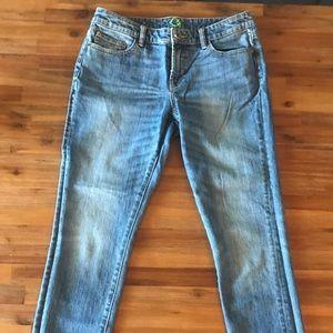 C. wonder Size 30 short jeans
